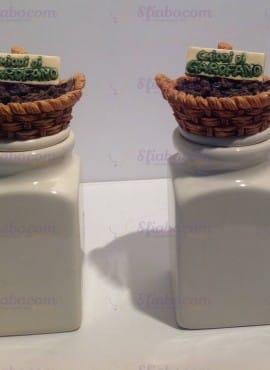 Set Due Barattoli In Ceramica Chiodi Di Garofani