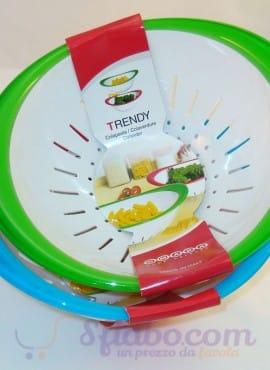 Colapasta Trendy In Plastica Di Diversi Colori